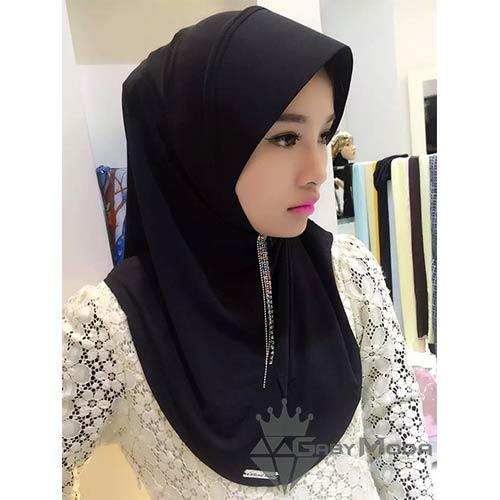 Черен хиджаб
