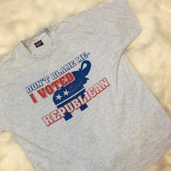 Дамски политически тениски